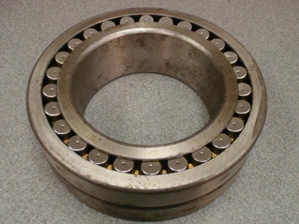 SKF 23128 SPHERICAL ROLLER BEARING - Made in the USA